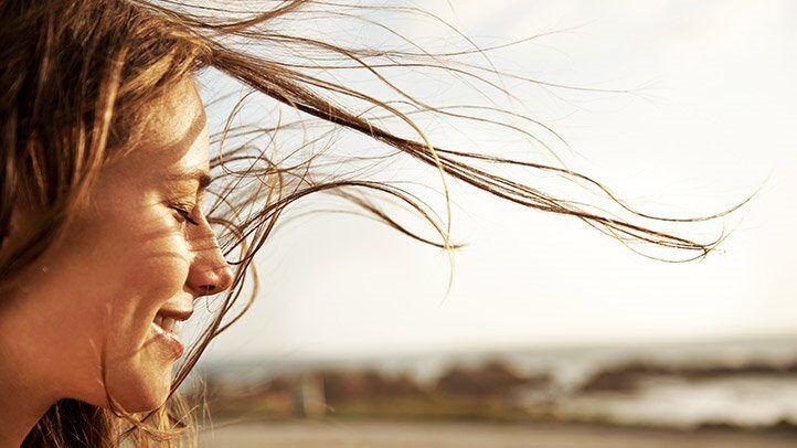 Wie Sie Jünger Aussehen, Ohne Ihr Haar Zu Färben